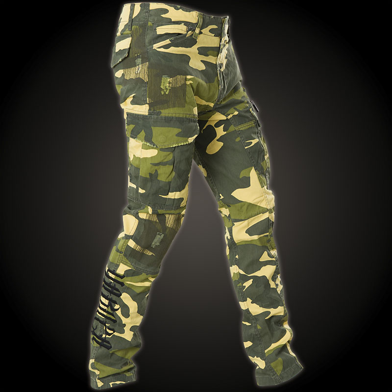 Yakuza Industrial Cargo Pant CPB-8041 with a camouflage look